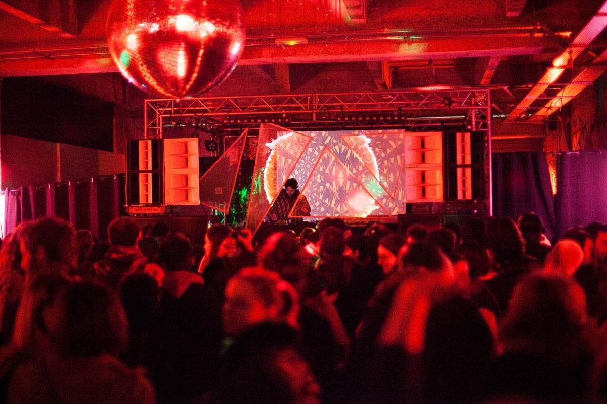 Amateurs de disco sombre et musiques lancinantes : les soirées Delicatessen signent leur grand retour à Paris